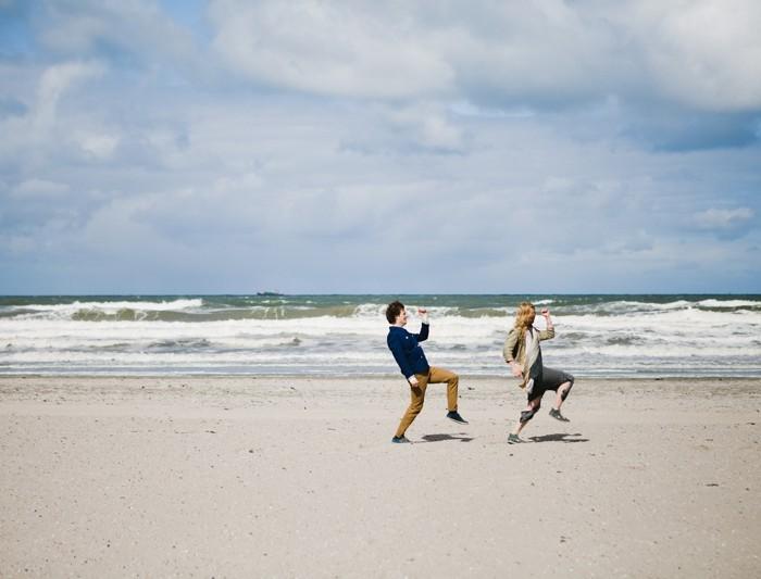 Couple shoot op het strand van Hoek van Holland | Jort & Annemieke