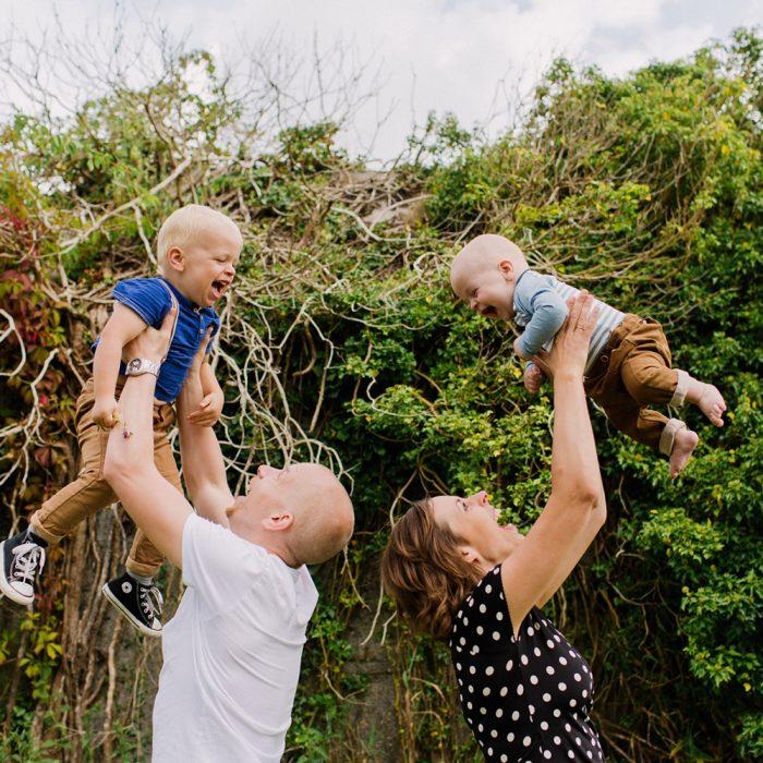 Familiefotograaf Utrecht - Gezinsshoot buiten bij Ruigenhoek