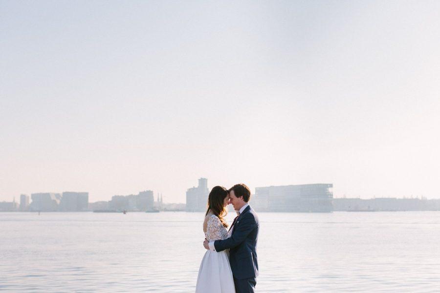 Winter bruiloft bij Pllek op de NDSM werf Amsterdam