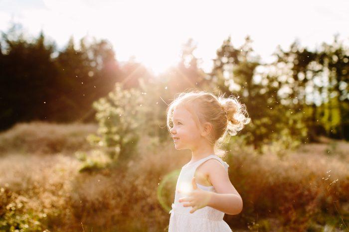 Fotoshoot gezin tijdens zonsondergang // Lage Vuursche