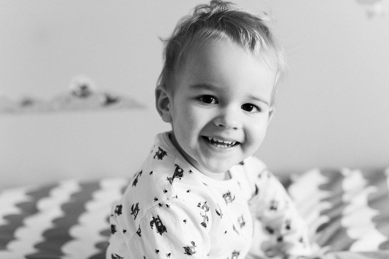 baby-fotografie-newborn-zusje-portret-jongen-peuter-004