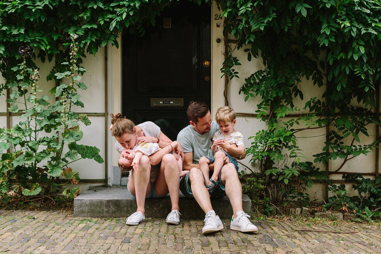 gezinsfotografie-utrecht-lepelenburg-fotoshoot-buiten-papa-dochter-3