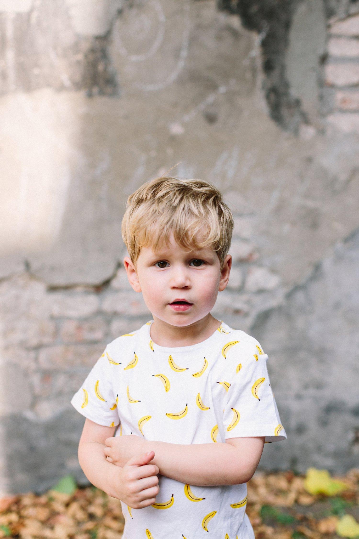 gezinsfotografie-utrecht-lepelenburg-fotoshoot-buiten-portret-kind-spontaan-4