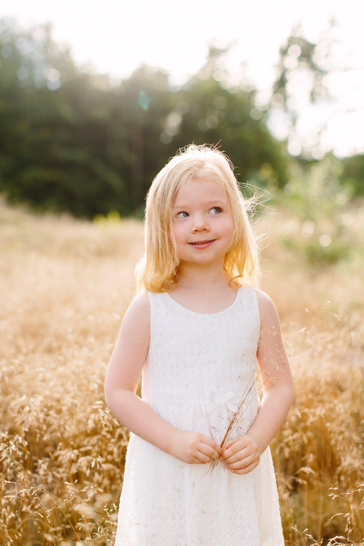 gezinsfotografie-zonsondergang-natuur-lage-vuursche-portret-meisje