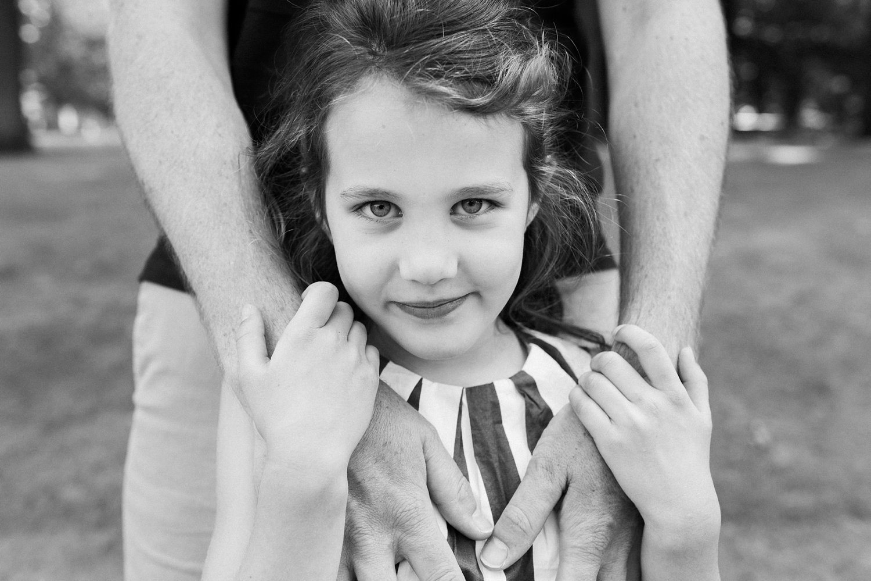 fotoshoot-kasteel-de-haar-utrecht-familiefotografie-portret-meisje-1