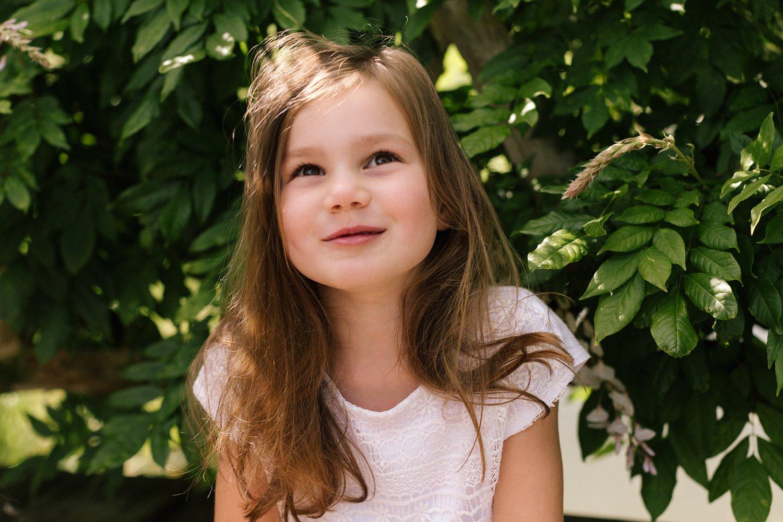 fotoshoot-kasteel-de-haar-utrecht-familiefotografie-portret-meisje-kind-2