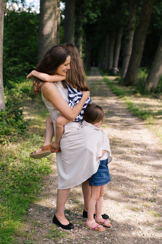 fotoshoot-kasteel-de-haar-utrecht-familiefotografie-moeder-dochters-1