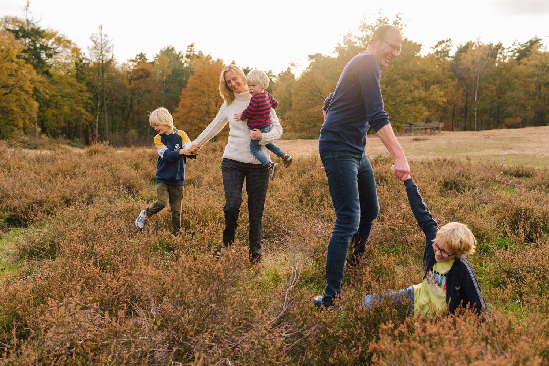 familie-fotografie-herfst-fotoshoot-kaapse-bossen-doorn-golden-hour-november-001
