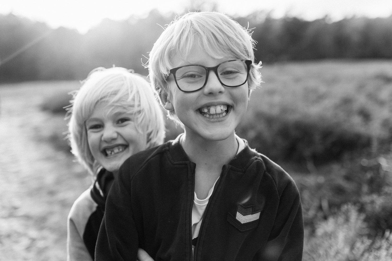 familie-fotografie-herfst-fotoshoot-kaapse-bossen-doorn-golden-hour-portret-kind-kinderfotografie-010