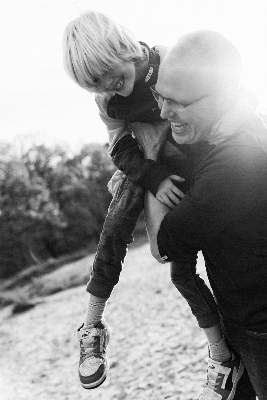 familie-fotografie-herfst-fotoshoot-kaapse-bossen-doorn-golden-hour-vader-zoon-012