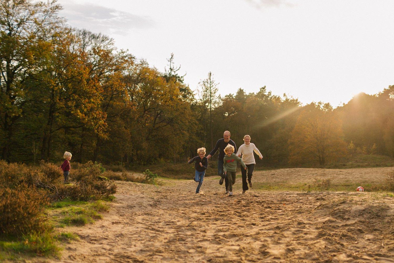 familie-fotografie-herfst-fotoshoot-kaapse-bossen-doorn-golden-hour-november-helenaheuvel-015