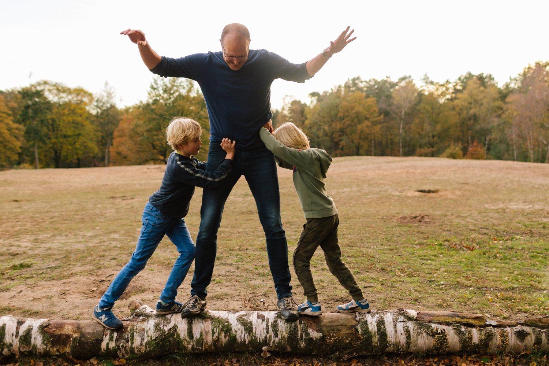 familie-fotografie-herfst-fotoshoot-kaapse-bossen-doorn-golden-hour-november_022