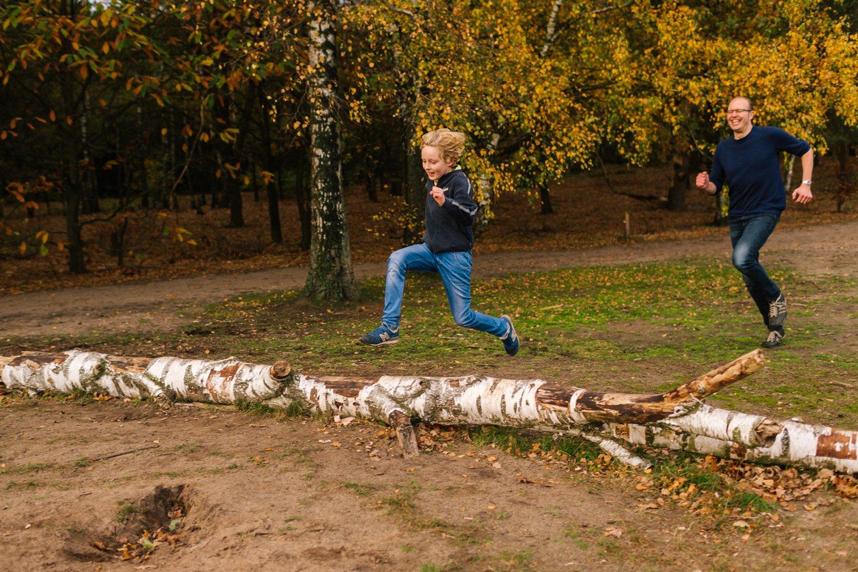 familie-fotografie-herfst-fotoshoot-kaapse-bossen-doorn-golden-hour-november-023